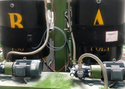 2 HHND heater jackets operating alongside on storage tanks